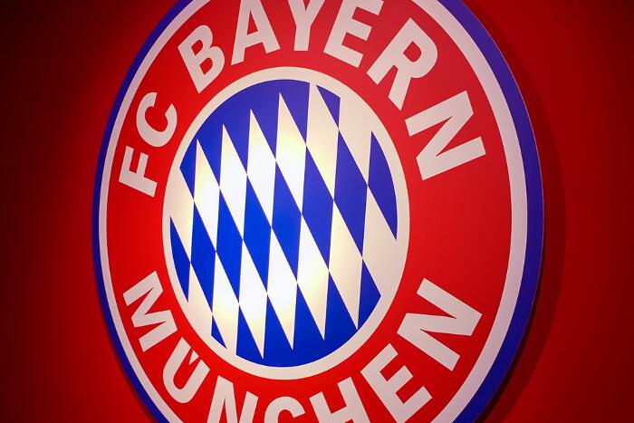 Fc Bayern München Startet Offiziellen Amazon Shop Mit Teils