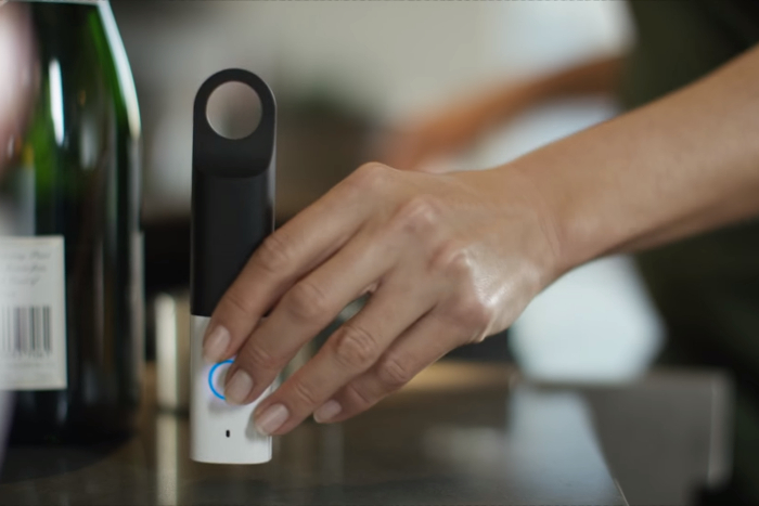 Amazon Dash Stick mit Alexa, Screenshot Youtube-Video