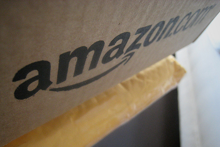 Amazon Paket: Smile! You've Got a Package from Amazon!