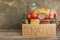 Lebensmittelspende im Karton
