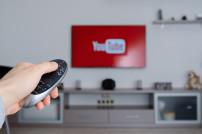 YouTube auf einem Fernseher
