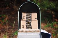 Amazon-Pakete im Briefkasten