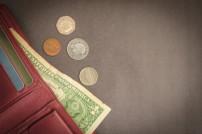 Portemonnaie mit wenig Geld