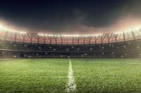 Fußballfeld im Licht