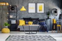 Zimmer mit Möbeln