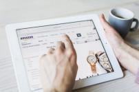 Amazon-Webseite auf Tablet
