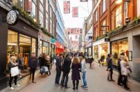 Menschen in Carnaby Street, London