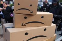 Traurige Amazon-Kartons