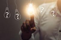Glühbirnen mit Fragezeichen