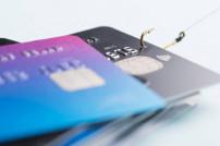 Phishing: Zahlungskarten an einem Angelhaken