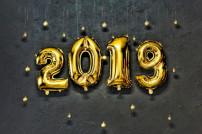 2019 in goldenen Luftballons