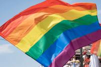 Queere Flagge in Regenbogenfarben