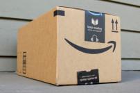 Amazon-Paket mit einem Lächeln