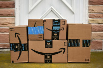 Stapel Amazon Pakete