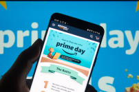 Amazon Prime Day: Bild auf Smartphone