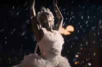 Amazon: Screenshot aus dem neuen, weihnachtlichen Werbespot