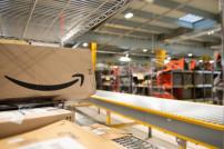 Amazon-Paket in einem Logistikzentrum