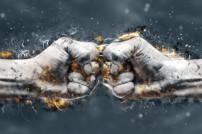 Rechtsstreit: Fäuste, die aufeinander prallen