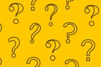Fragen rund um Amazon: Viele Fragezeichen auf gelbem Grund