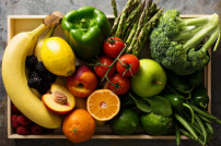 Obst und Gemüse in einer Kiste