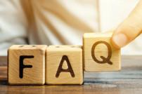 Holzblöcke mit dem Wort FAQ (häufig gestellte Fragen)