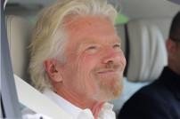 Unternehmer Richard Bransons ist ins Weltall gestartet und hat Jeff Bezos überholt