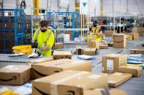2 Mitarbeiter bei Amazon