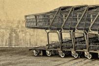 viele Einkaufswagen