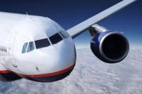 Flugzeug im Vorbeiflug