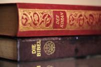 Amazon passt häufig Preise von Bibeln an.