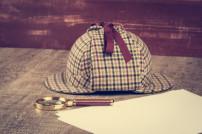 Sherlock-Holmes-Mütze mit Lupe