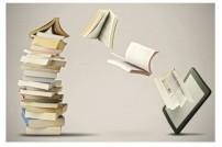 Bücher die vom Stapel in ein Tablet fliegen