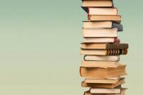 Stapel aus Büchern