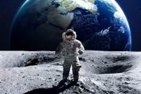 Mondmann vor der Erde